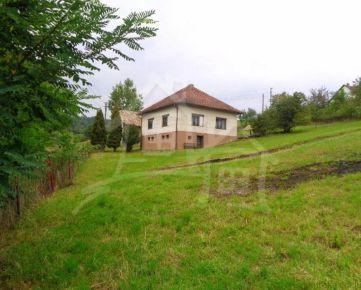 VÝRAZNÁ ZĽAVA!!Dom alebo chalupa s veľkou záhradou s krásnym výhľadom na okraji Hriňovej