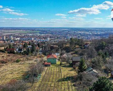 Perspektívny stavebný pozemok s výhľadom
