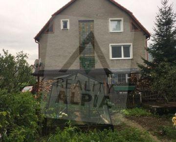 3-Generačný rodinný dom na predaj, Liešťany