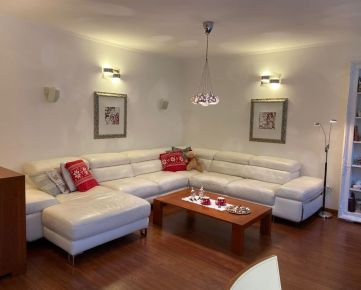 PROMINENT REAL predá pekný 5 izbový rodinný dom na Kolibe na ul. Horná Vančurova.