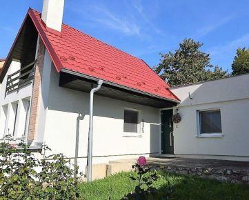 BOND REALITY - 3 izbový rodinný dom s pozemkom na predaj v časti Ahoj