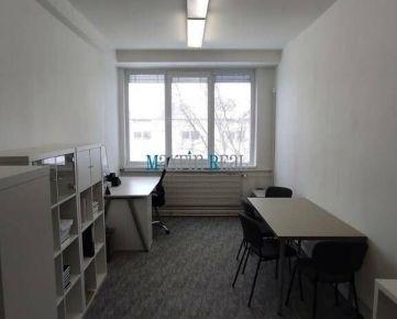 MAXFIN REAL - 3 x kancelária v Nitre s parkovaním