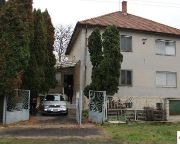 Predaj 3 izbového rodin. domu, garáž, terasa, 120 m2,  Žemberovce, 12 km Levice