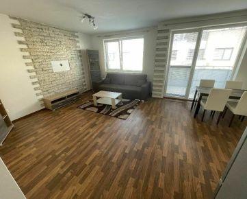 Na predaj zariadený 3-izb. byt na  Hviezdnej ul., v Hviezdoslavove 77m2, balkón +terasa REZERVOVANE