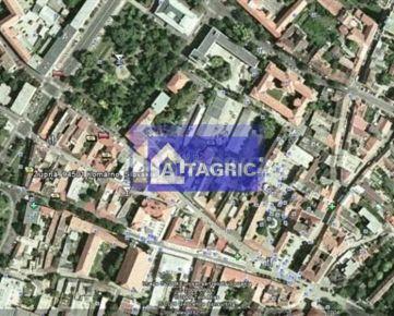 1690 - Na predaj pozemok v centre mesta Komárno na výstavbu obchod, byty, kancelárie