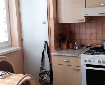 VIVAREAL* VÝBORNÁ CENA!! 3 izb. byt, výmera cca 66m2, uzatvárateľný balkón, Jiráskova  ul. Trnava