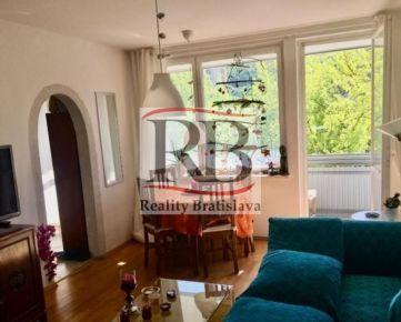 Na predaj pekný zrekonštruovaný 4 izbový byt na Bazovského ulici v Dúbravke