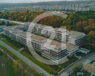 CENTURY 21 Realitné Centrum ponúka: Nový 2-izb. strešný byt s veľkou terasou v komplexe Borovicový Háj G 4.2B – 20
