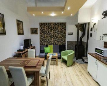 Na prenájom štýlový 2 izbový byt v CENTRE Košíc, kompletne zrekonštruovaný a zariadený, PARKOVANIE V