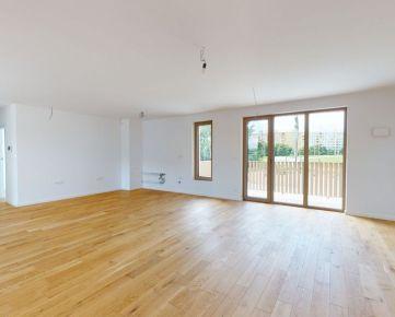 Exkluzívny 5 izbový byt s dvomi balkónmi - Petržalka