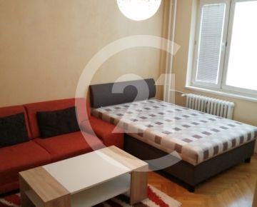CENTURY 21 Realitné centrum ponúka -1 i byt s balkónom - Terasa 35m2 - Petzvalova