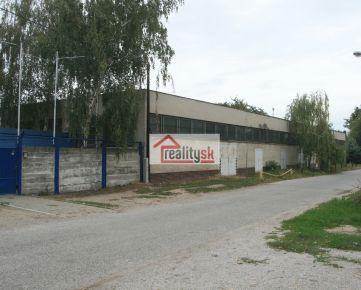 Areál s výrobno-skladovou budovou a administratívou