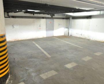 Prenajmeme garážové státie na Zámockej ulici pri Hrade
