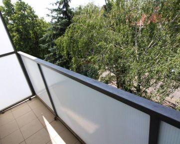 RE/MAX ponúka na dlhodobý prenájom  priestranný 3 izbový byt v Trnave pri Tescu.