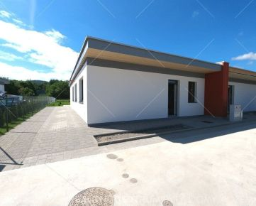 Predaj 4 izbový bungalov, pozemok 526m2, v štandarde 222.000€
