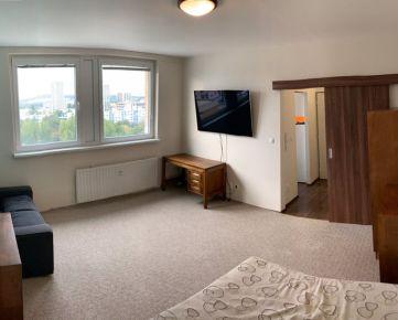 REZERV Pekný, zariadený 1 izbový byt na začiatku Petržalky