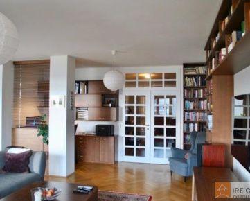 Predaj 4-izbového bytu s terasou s 2-garážovými státiami na Drotárskej ceste v tichej lokalite Horskom Parku
