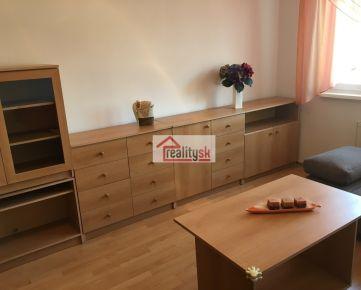 Príjemný 1 izb byt so samostatnou kuchyňou vo vyhľadávanej lokalite pri OC Retro na prenájom, bez provízie