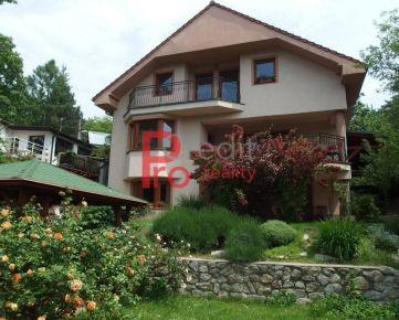 Predaj komfortný trojpodlažný 6-izbový rodinný dom v Lamači