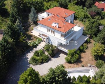 SVOBODA & WILLIAMS I 3-podlažný rodinný dom so 6 izbami s bazénom, saunou, jacuzzi a výhľadmi, Koliba, Bratislava