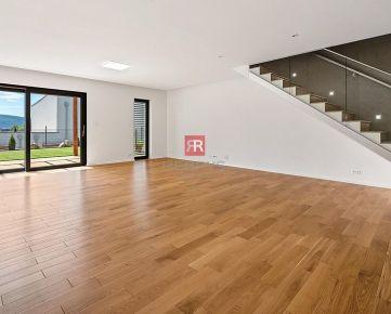 HERRYS - Predaj - 4 izbový rodinný dom vo vysokom štandarde v lukratívnej časti Záhorskej Bystrice, kolaudovaný 03/2021