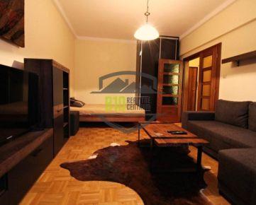 PRENÁJOM - Veľký 1izb. byt v centre mesta, zariadený