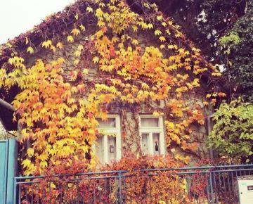 4 izbový dom v starej časti Bernolákova s výnimočnou atmosférou.