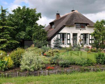 Surani Realitná kancelária hľadá pre svojho klienta rodinný dom do 500.000 €