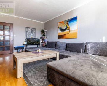 Ponúkame na predaj 4 - izbový byt na sídlisku Ťahanovce