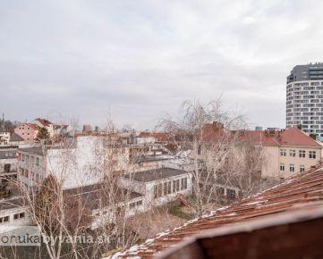 PALÁRIKOVA, 5-i byt, 124 m2 - rekonštrukcia, KULTÚRNA PAMIATKA, tehla, PODKROVIE