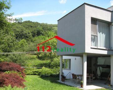 NA PREDAJ moderná 6 izbová vila pod lesom s dvojgarážou, novostavba pre náročných, Borinka
