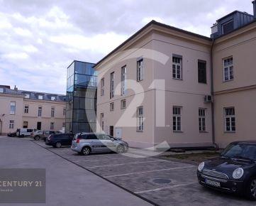 CENTURY 21 Realitné Centrum ponúka -prenájom nebytových priestorov, vstup z ulice, centrum, výmera 93 m2, novostavba, 3 parkovacie miesta