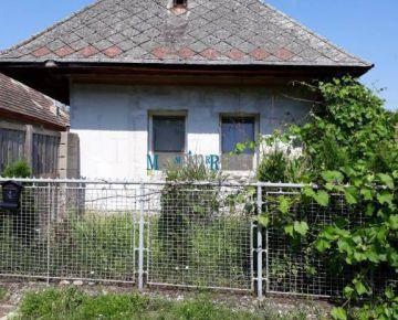 MAXFIN REAL – na predaj rodinný dom v Podlužanoch