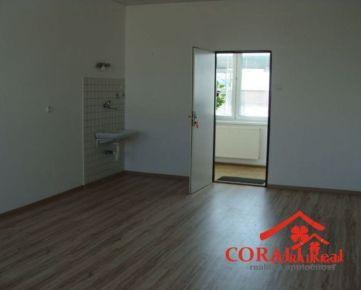 Kancelária 25 m2 - Trnava, Priemyselná ul. - PRENÁJOM