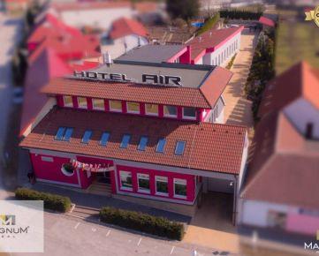 Zabehnutý biznis Hotel s exkluzívnou vínnou pivnicou - Holíč