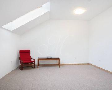Čiastočne zariadený 3i byt v rodinnom dome na prenájom v Bratislave