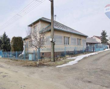 Na predaj 4-izbový rodinný dom  v  obci Borský Mikuláš.