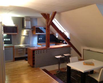 4 izb. byt, mezonet, 211m2 vrátane terasy s výhľadom na panorámu Bratislavy, perfektná cena, 6/6p.
