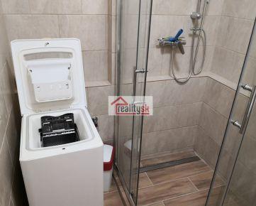Na prenájom slnečný 1-izbový byt s kuchyňou na Nezábudkovej ulici (Ružinov)