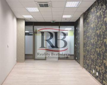 Dizajnový, menší obchodno-kancelársky priestor, 27 m2