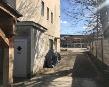 PRENÁJOM kancelárskeho priestoru v Hlohovci - Jarmočná