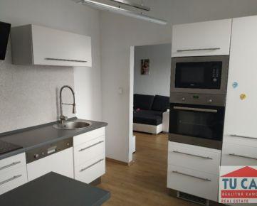 TU CASA, s.r.o.- Ponúkame na predaj 3 izb. byt v Seredi na Novomestskej ul.