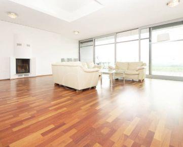 Priestranný 6i byt s terasou s krásnym výhľadom