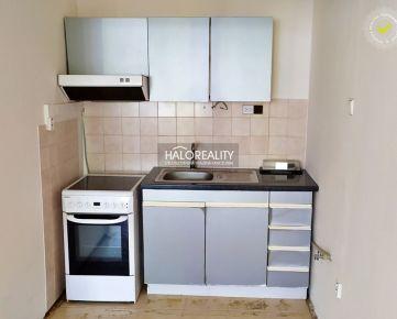 HALO REALITY - Predaj, dvojizbový byt Levice - ZNÍŽENÁ CENA