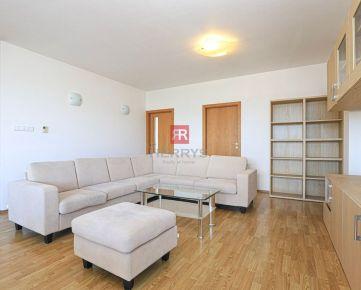 HERRYS - Na prenájom priestranný 3 izbový byt s balkónom a garážovým státím na Bajkalskej ulici v Ružinove