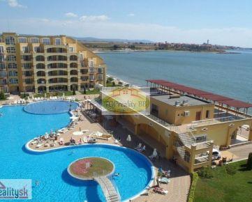 Investícia !!  Apartmán   s rozlohou 50 m2, s balkónom v komplexe Midia Grand Resort   v Bulharsku v mestečku Aheloy,  vzdialené od letiska  Burgas 19 km – cena 26 000€