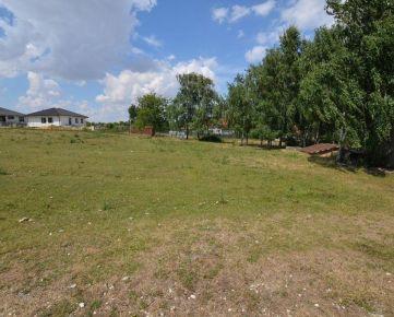 Stavebný pozemok na výstavbu rodinných domov  NITRA - Párovské Háje