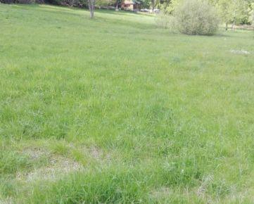 Pozemok pre rod. dom 902 m² v Riečke