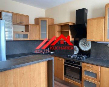KUCHÁREK REAL: Predaj 3 iz. mezonetový byt s garážou a veľkou terasou v Bratislave III - VAJNORY, ul. Čierny chodník.