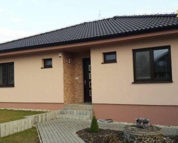 PRENÁJOM - Pekný rodinný dom 14 km od Nitry, 9 km Jaguar Landrover